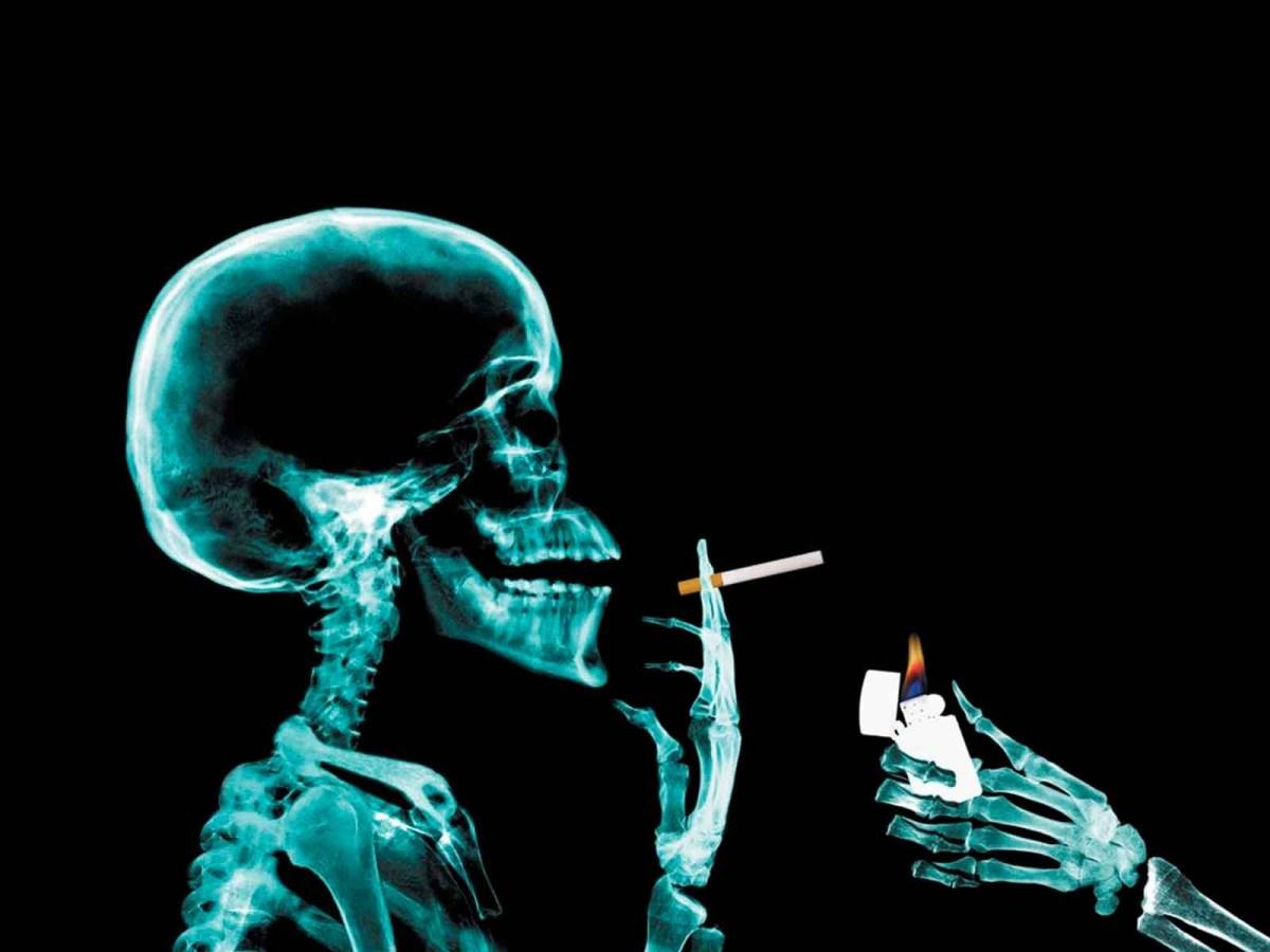 [:en]Demonizing cigarettes - is it about our health? Whose health? [:el]Η δαιμονοποιηση του τσιγαρου - μονοπλευρη εμμονη με αμφιβολα κινητρα[:]