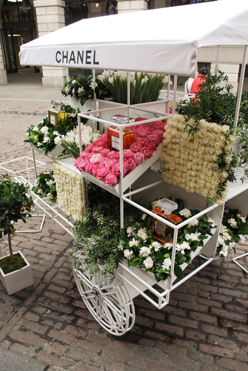 Chanel-Flower-Stall-Covent-Garden-2