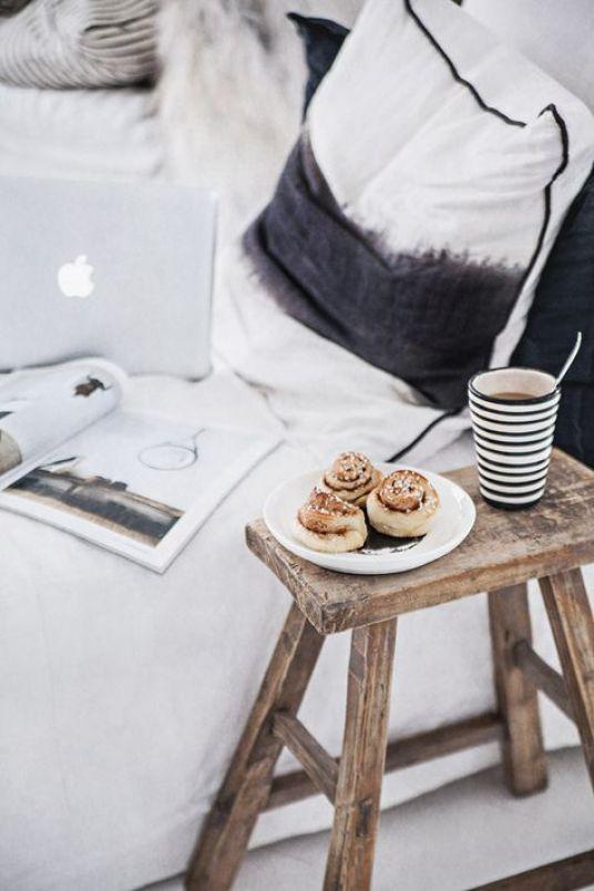 des id es originales pour une table de nuit. Black Bedroom Furniture Sets. Home Design Ideas
