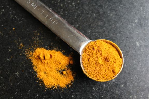 get glowing skin with turmeric