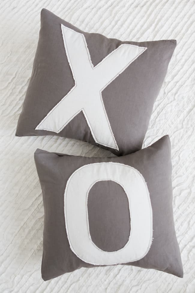 DIY Anthropologie Inspired Pillows | HelloGlow.co