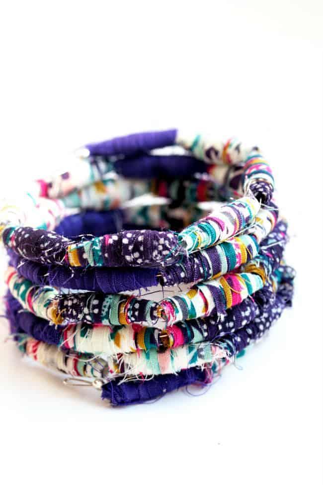 Fabric Bead Bracelet tutorial | HelloGlow.co