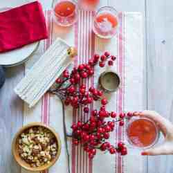 How To Set a Simple, Natural Holiday Table