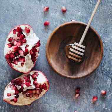 Fight Aging + Acne With 4 DIY Pomegranate Beauty Recipes