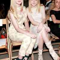 Dakota and Elle Fanning | HelloNatural.co