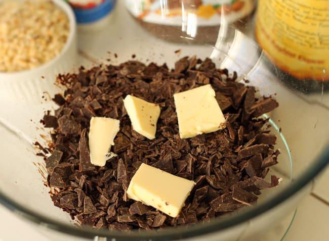 Homemade Nutella Truffles | HelloNatural.co
