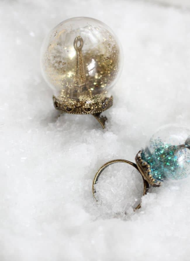 Glitter Snow Globe Ring | HelloNatural.co