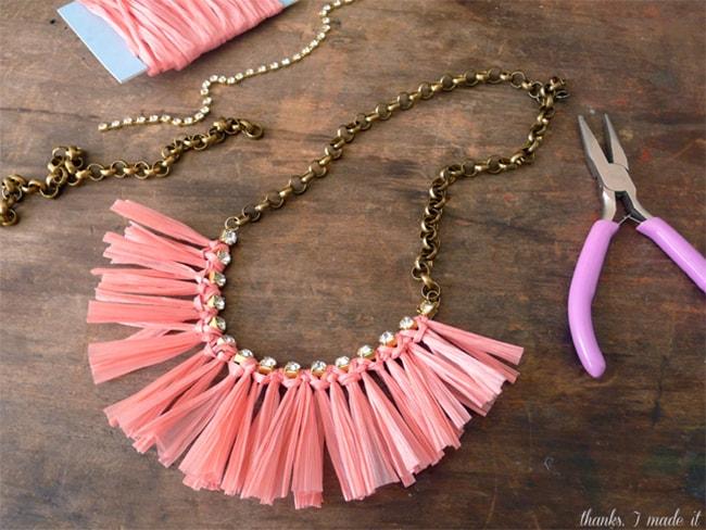 Raffia necklace | Henry Happened