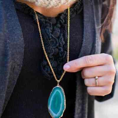 Agate DIY Pendant Necklace | HelloNatural.co