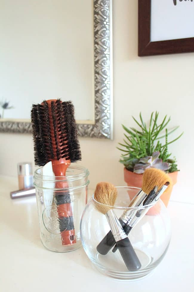 How to Spring Clean Your Makeup Drawer + 2 DIY Brush Cleaners | Hello Natural
