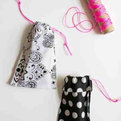 DIY No Sew Sunglasses Case | HelloNatural.co