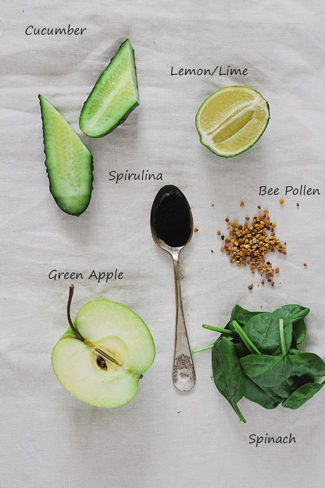 Post-Thanksgiving Green Detox Smoothie | HelloNatural.co