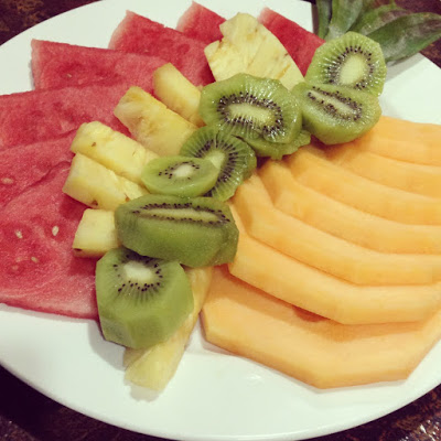 healthy fruit salad plate