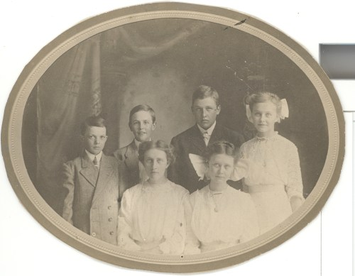 Probably the children of Mary Jane Roberts and Samuel Blount. Boys, from left: Harold M., Samuel Harvey, and Harry R. Blount (assumed from DOB and family picture) Girls: Bernice M. is youngest, so possibly standing?, Florence M., and Helen Irene is oldest. Photo was in with Roberts family pictures.