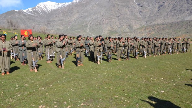 PKK-female-fighters-march-8-kandil-678x381