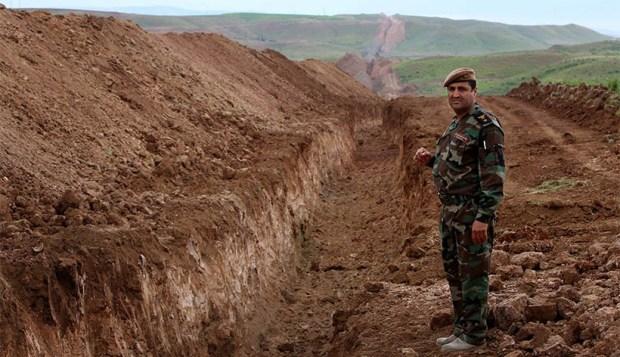 Траншея на границе с Рожавой, вырытая барзанистами