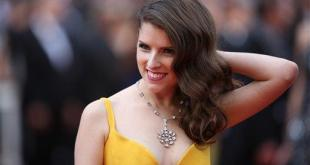 Actress Anna Kendrick poses for photographers upon arrival at the screening of the film Cafe Society and the Opening Ceremony at the 69th international film festival, Cannes, southern France, Wednesday, May 11, 2016. (AP Photo/Thibault Camus)