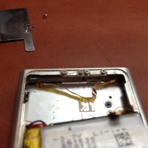 iPod Nano 6 не нажимаются кнопки. Разборка и замена шлейфа кнопок.6