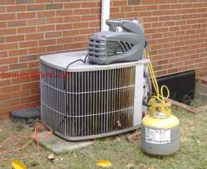 common freon leaking in heat pumps