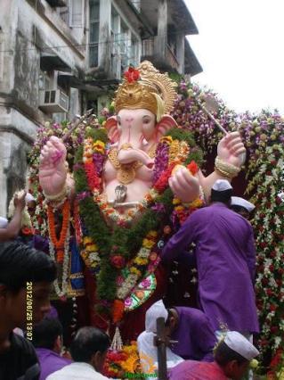 Parel Lal Maidan Saarvajanik Ganeshotsav Mandal Ganraj 2013