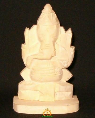 Swetharka Moola Ganesha idol