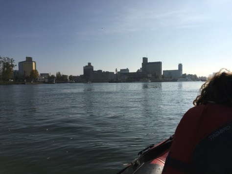 Endlich auf dem Wasser, Rheinhafen Basel und Dreiländereck.