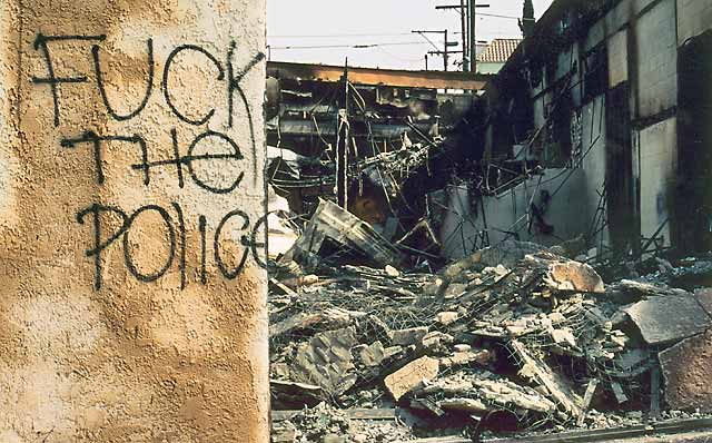 Is talking about the LA Riots in 1992 a good idea for an informative speech?