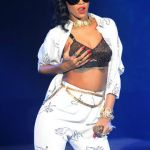 @Rihanna Flips Out on Her Band During 777 Tour