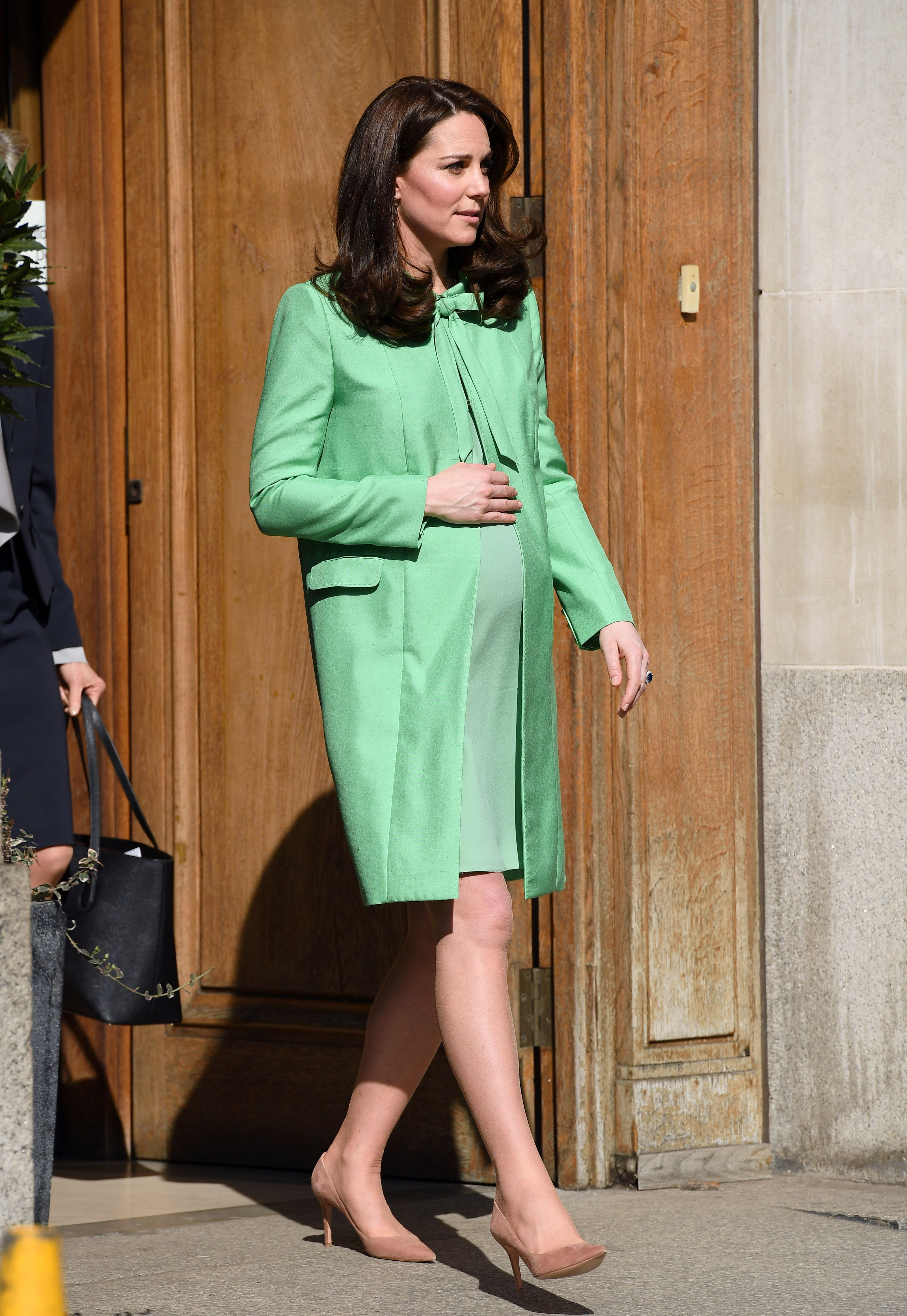 Kate Middleton s Best Maternity Outfits   Kate s Chic Pregnant Style kate middleton