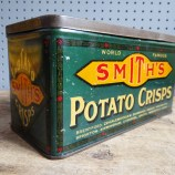 Smith's potato crisps tin
