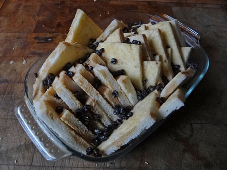 soaked currants sprinkled on to bread slices
