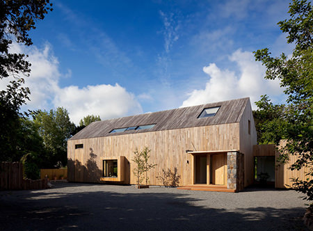 M House clad in chestnut wood