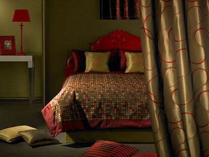 Mitre Linen bedding in red and gold