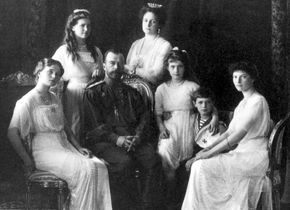 Tsaar Nicolaas II en zijn gezin in 1910