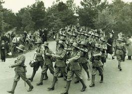 Manschappen van de Koloniale Reserve tijdens de vierdaagse van Nijmegen – Foto: Regionaal Archief Nijmegen