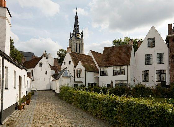 Begijnhof van Kortrijk - Foto: CC/PMRMaeyaert