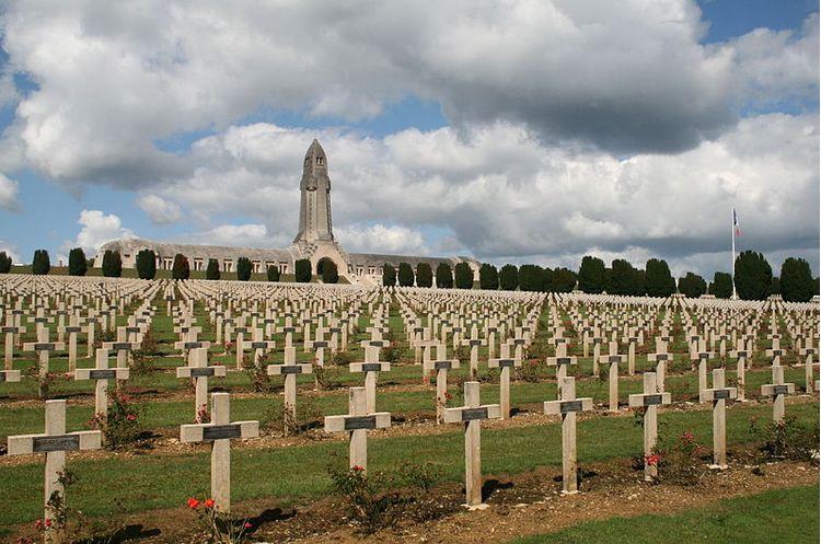De begraafplaats en het Ossuarium van Douaumont, in de Franse plaats Verdun - Foto: Cc/Jean-Pol GRANDMONT