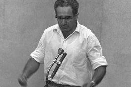 Israel Gutman tijdens het proces tegen Adolf Eichmann