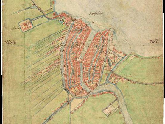 """Jacob van Deventer. Plattegrond van Amsterdam en omgeving (1558-1561). Rechtsboven de Montelbaanstoren in de, dan nog buiten de stadswal liggende, Lastage. Rechts in het midden duidt """"Leprosen"""" het Leprozenhuis aan. Links hiervan wordt in de scherpe Amstelbocht op het laatst van de zestiende eeuw Vlooienburg aangelegd, rechts ervan verrijst in 1675 de Snoge in de stadsuitleg van 1660. (WBOOKS)"""