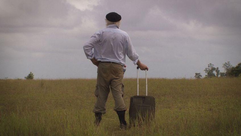 Redmond O'Hanlon tijdens een van zijn reizen - Foto: Matthieu van den Berg