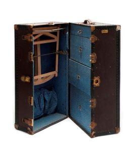 Wardrobe Trunk, Belber Trunk and Bag Company, V.S. (Philadelphia). Geïmporteerd door Verweegen & Kok, Amsterdam, ca. 1930.