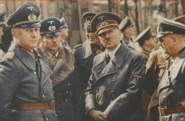 Detail van de cover van 'Hitlers tafelgesprekken'