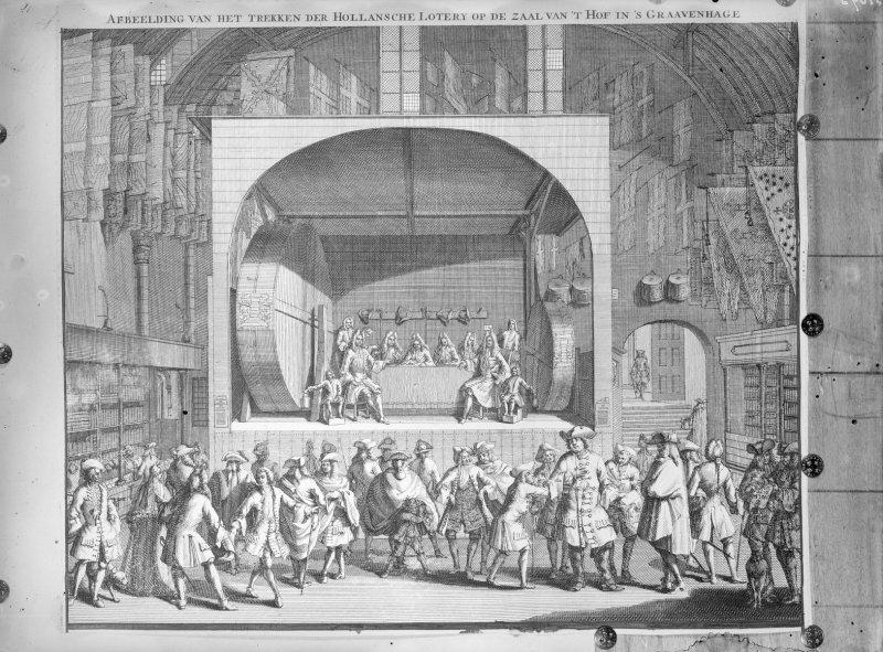 Het trekken der Hollandse Loterij onder de zaal van het hof naar een 18e eeuwse prent, 1929 door J.P.A. Antonietti (collecie Rijksdienst voor het Cultureel Erfgoed)
