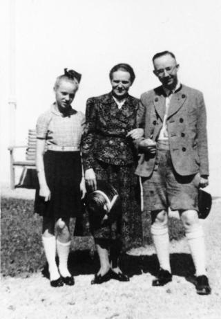 Heinrich Himmler met vrouw en dochter