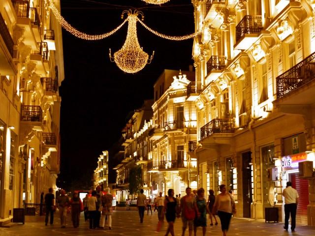 Baku by night (6), Azerbaijan Absolute Musts