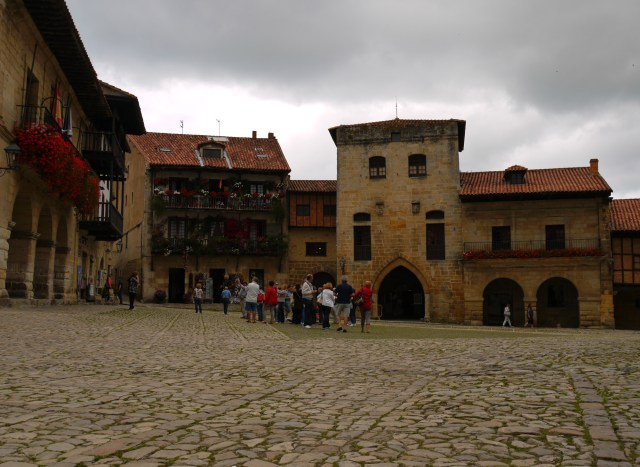 Santillana del Mar, Spain (22) – Groups of tourists on Plaza Ramón Pelayo