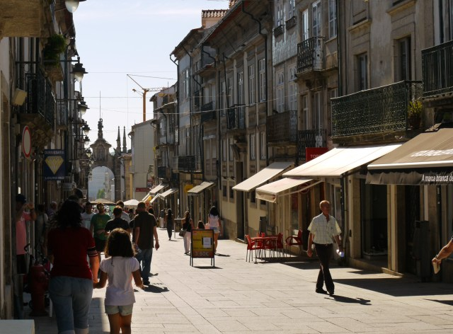 The view along Rua Dom Diogo de Sousa to New Gate Arch - Braga, Portugal (30)
