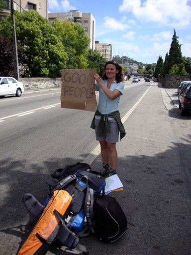 Good people sign, Hitch-hiking in Portugal, Travel Tips