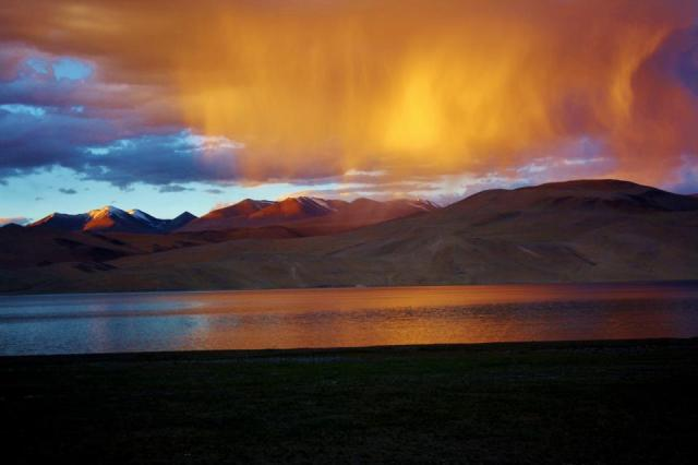 Durlov Baruah - Tso Moriri, Ladakh, India, high altitude, Himalayas, orange cover, phenomenon