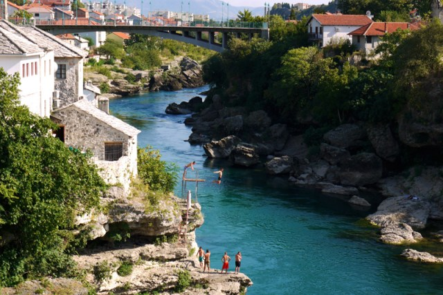Hitchhiking failure and on the tourist trial in Sarajevo and Mostar